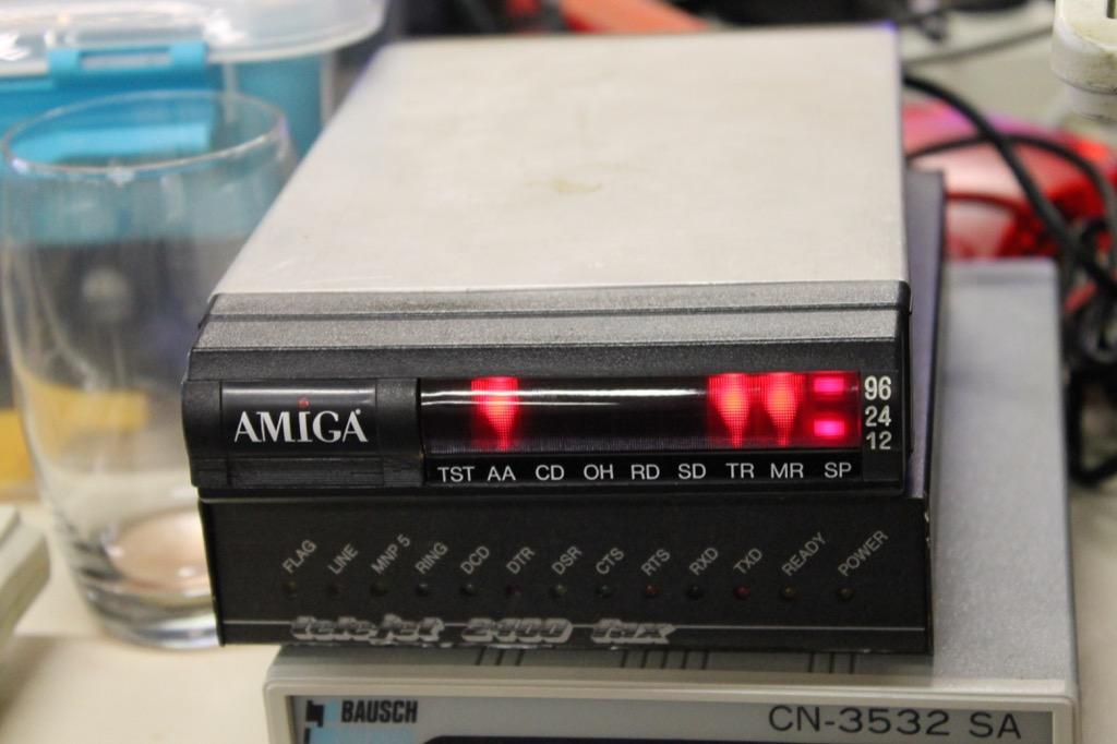 Bild: alte analog Modems (RetroQuatsch - BBS & Mailboxen)